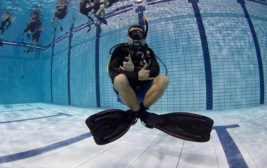 https://www.sealanddiving.nl/wp-content/uploads/2016/12/Zwembad-training-17.jpg